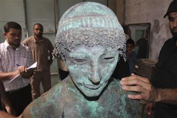 A bronze statue of the Greek God Apollo is pictured in Gaza in this September 19, 2013 picture provided by Gaza's Ministry of Tourism and Antiquities. REUTERS Photo